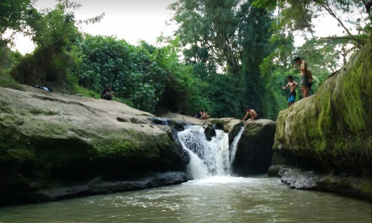 Air Terjun Sawe
