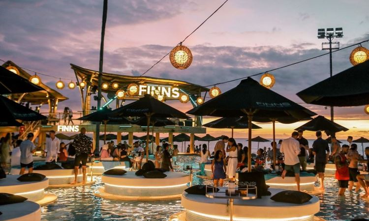 Finn's Beach Club
